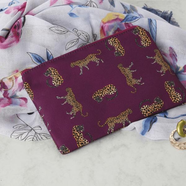 Make-up tasje met luipaarden paars3